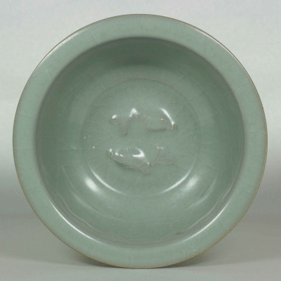 Bowl with Twin Fish and Lotus Design