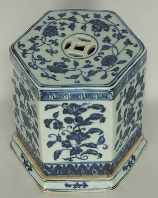 Hexagonal Cricket Box with Flower Design