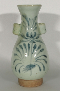 Hu-Form Vase with Flower Design
