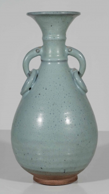 Large Yuhuchun Vase with Ringed Handles