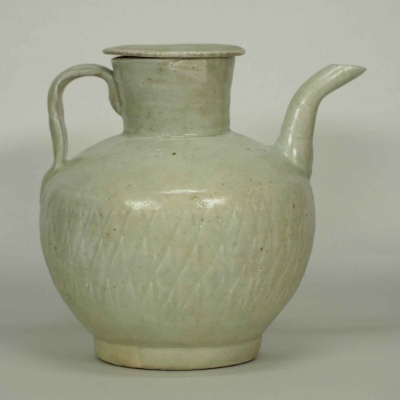 Lidded ewer with Diamond Motif Design