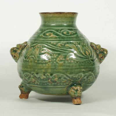 Lion-Head Handled Tripod Jar with Lotus and Leaf Scroll Design