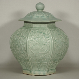 Octagonal Lidded Jar with Moulded design