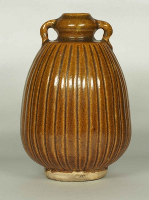 Pear-Shaped Jarlet with Ribbed Design
